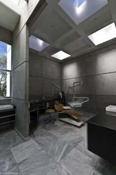cosmetic dental office in mexico    very cool      http://www.blatchford.com