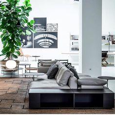 "334 Likes, 3 Comments - Maison HAND (@maison_hand_fr) on Instagram: ""#regram#mosaique#depadova#newsofa#pierolissoni#sooninstore#solutions#showroom#santacecilia#salonedelmobile2017#milan#designweek#design#architecture#mixandmatch#maisonhand…"""