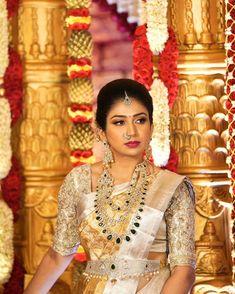 Bridal Sarees South Indian, Indian Bridal Fashion, Indian Bridal Wear, Indian Sarees, Indian Wear, Golden Saree, Fancy Sarees, Silk Sarees, Saree Trends