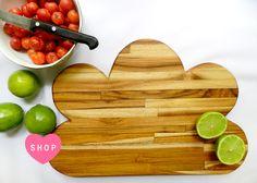 Miupi - Para Casa   Tábuas de Cozinha  #miupi #adoromiupi #cozinha #kitchen #madeira #wood #cozinhaterapia #handmade #cooking #marcenaria #woodwork #decor #home #lardocelar #homesweethome #teca #madeirateca #woodteca #paracasa #paravoce #love #loveit #heartit #cozinhapratica #tocook #cute