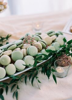 Yes, you'll undoubtedly serve a drool-worthy 3-course meal the night of your wedding. But after a night of dancing and a very open bar, your guests may be in need of some refueling. Midnight snacks are a fun and much appreciated way to let your guests know you've thought of every detail. Plus who doesn't …