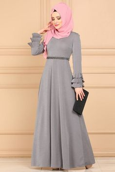 Muslim Evening Dresses, Hijab Evening Dress, Muslim Dress, Hijab Dress, Abaya Fashion, Fashion Dresses, Muslim Women Fashion, Sleeves Designs For Dresses, Moroccan Dress