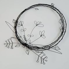 Floral Wire Wreath, New home gift, wall art, garden art - Wire - Art Barbed Wire Art, Copper Wire Art, Art Mural Floral, Art Floral, Wire Wall Art, Metal Wall Art, Hanging Jewelry, Wire Jewelry, Jewellery Box