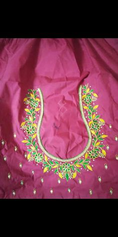 Simple Blouse Designs, Maggam Works, Work Blouse, Flower Designs, Tapestry, Blouses, Pink, Flower Drawings, Tapestries