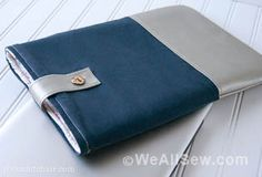 DIY Leather Laptop Sleeve, a free sewing pattern for a laptop case, a tutorial for a laptop sleeve trimmed with leather, DIY Laptop Tote Diy Leather Laptop Sleeve, Laptop Sleeves, Leather Sleeves, Diy Laptop, Laptop Tote, Laptop Cases, Diy Gifts To Make, Diy For Men, Knitting Supplies