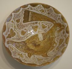 Bowl_with_bird,_Egypt,_Fatimid_period,_11th_century_AD,_earthenware_with_overglaze_luster_painting_-_Cincinnati_Art_Museum_-_DSC04165.JPG (3...