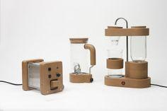 Un mélange entre le tri sélectif, Envie, Emmaüs et un laboratoire de design et d'électronique ouvert à tou(te)s !