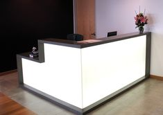 Angles for reception desk in new IDT building: Furniture, L Shaped Reception Desk With White Color: The Modern and Fashionable IKEA Reception Desk