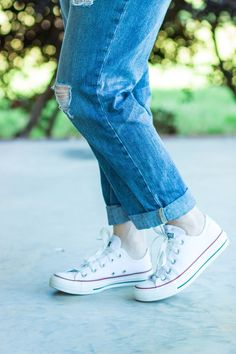 white converse, how to clean Converse All Stars, graphic tee, distressed jeans, boyfriend jeans, fashion over 40, polka dot head scarf
