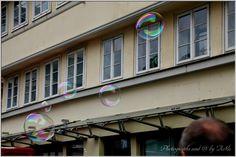 Blicke: SEIFENBLASEN Looking Up, Soap Bubbles