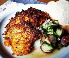 Möhren-Kohlrabi-Puffer mit Gurken-Radieschen-Salat  #food #foodblog #foodporn #kochenistliebe #vegan #veggie #puffer #möhren #kohlrabi #radieschen #gurke #dill #schnittlauch #ahornsirup