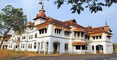 Built in 1915 the Kowdiar Palace is the official residence of the Travancore Royal family- located in Trivandrum city