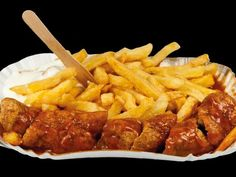 What is Currywurst? The History and How to Make It   A German Girl in America Currywurst Recipe Authentic, Ketchup, Sauce Au Curry, Bratwurst Sausage, German Sausage, Grilled Sausage, Special Recipes, C'est Bon, Street Food