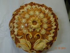 Pie Crust Designs, Pastry Design, Bread Shaping, Bread Art, Our Daily Bread, Food Decoration, Bread And Pastries, Artisan Bread, How To Make Bread