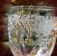 """Ohrhänger - """"goldene schlüsseln"""" ohrringe - ein Designerstück von Miss-Gin bei…"""