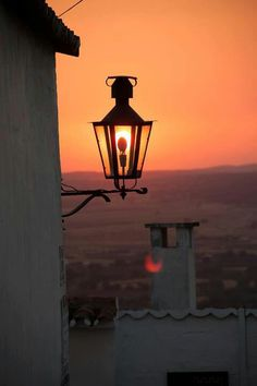 Sunrise in Alentejo, Portugal Monsaraz, Portuguese Culture, Old Lamps, Visit Portugal, Light Of The World, Street Lamp, Famous Places, Color Of Life, Beautiful Places To Visit