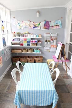 Kid art room