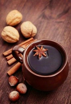 Mulled wine- Mulled wine Source by sandrinaredel - Coffee And Books, Coffee Love, Coffee Break, Coffee Photography, Food Photography, Winter Drinks, In China, Mulled Wine, Fall Recipes