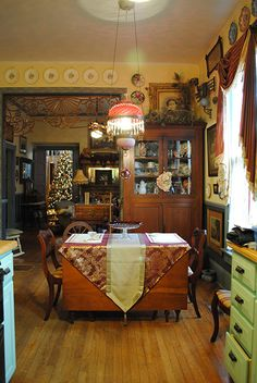 1000 images about our own folk victorian restoration for Folk victorian interior