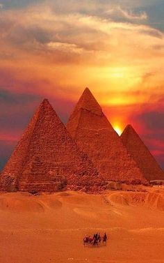 Enjoy Cairo tours and excursions during your trip in Egypt. Book with us all Cairo sightseeing tours and day trips and get best price. We offer Cairo tours and the most attractions sites Places To Travel, Places To See, Travel Destinations, Travel Trip, Travel Hacks, Travel Style, Wonderful Places, Beautiful Places, Amazing Places