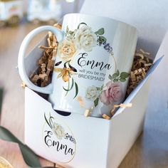 custom mugs Do you want to make your wedding unforgettable? Then you need the right souvenirs. Souvenirs will give your guests some pleasant memories of your wedding. Wedding souvenirs may Bridesmaid Mug, Bridesmaid Proposal Gifts, Personalized Ceramic Coffee Mugs, Personalized Gifts, Thank You Note Cards, Edible Gifts, Wedding Keepsakes, Graduation Pictures, Custom Mugs