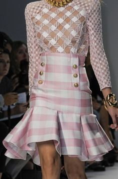 Balmain Spring 2014 - Details➰. There is something I really like about this... can't put my finger on it. It's kind of weird.