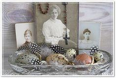 Sweet vintage Easter display seen here: Nostalgie Kontor
