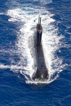 Us Navy Submarines, Nuclear Submarine, Go Navy, Naval Academy, Yellow Submarine, Speed Boats, War Machine, Battleship, Armed Forces