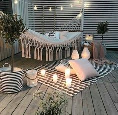 43 Cute Apartment Porch You'll Love - All About Balcony Apartment Porch, Cute Apartment, Backyard Hammock, Backyard Bar, Diy Pergola, Pergola Ideas, Porch Decorating, Decorating Your Home, Decorating Ideas