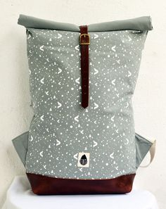 Canvas and leather backpack // grey hand screen by schalleszter