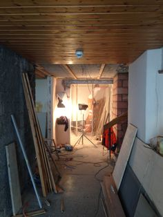 10. Juni 2015 - Die Arbeiten im Parterre gehen ebenfalls zügig voran. Heute wurde an den WC-Anlagen gearbeitet.