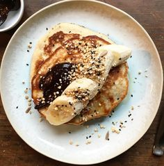 Gluten-free banana pancakes with chocolate sauce recipe — The Telegraph - Gluten-free banana pancakes with chocolate sauce recipe - Pancakes Sans Gluten, Chocolate Sauce Recipes, Deli Food, Gluten Free Banana, Nutrition, Food Obsession, Banana Pancakes, Sweet Recipes, Food Porn