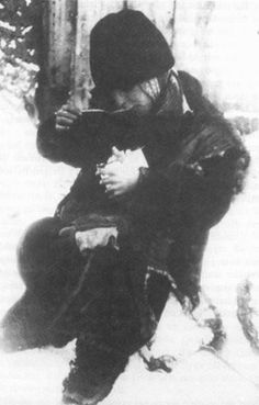 hungry Jewish orphan in the winter in the Lodz Ghetto (photo Mendel Grossman)