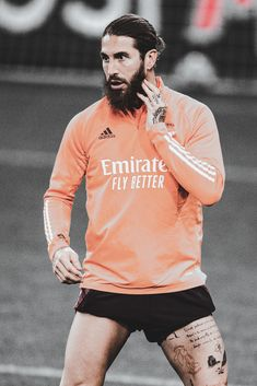Real Madrid Wallpapers, Sports Celebrities, Soccer Stars, Ac Milan, Football Players, Honey, King, Cream, Games