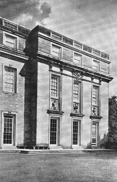 View of the corner of the Petworth House in Sussex, United Kingdom, presumably by the French/dutch architect Daniel Marot. Very sober and restrained classicism probabely influenced by the Dutch 'Strakke Stijl' (Stark Style) classicism.