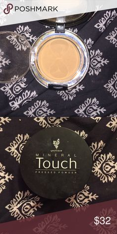 Mineral touched pressed powder Shade // cashmere Younique Makeup Face Powder