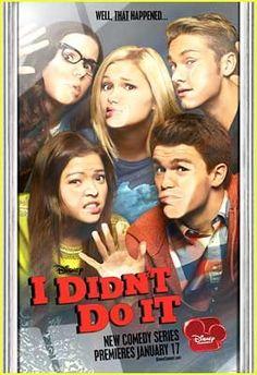 Delia (Sarah Gilman), Jasmine (Piper Curda), Lindy (Olivia Holt), Logan (Austin North), and Garrett (Peyton Clark on I Didn't Do It.