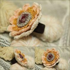 Bague textile crochetée ref 06  : Bague par fee-moi-un-cygne