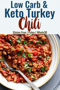 No Bean Low Carb Keto Turkey Chili - This Low Carb Keto Turkey Chili is healthy comfort food at it's best! An easy, weeknight dinner that will please the whole crowd! Gluten free, keto and paleo too! Clean Eating Recipes, Easy Healthy Recipes, Paleo Recipes, Real Food Recipes, Paleo Meals, Paleo Diet, Can Chicken Recipes, Turkey Recipes, Recipes Dinner