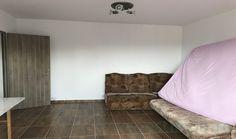 Apartament 2 camere decomandat de vanzare Grivitei Agentia imobiliara Estimob va pune la dispozitie in exclusivitate o oferta de Vanzare Apartament 2 Camere decomandat in zona Grivitei la pretul de 54,000 EUR. Apartamentul are 2 balcoane mari, bucatarie mare patrata, baie cu geam, centrala termica proprie si termopane. Apartamentul este renovat complet, este situat la etajul 4 din 4 nivele fara probleme cu izolatia, orientare cardinala VEST, an constructie bloc dupa 1982. Suna: 0742244744