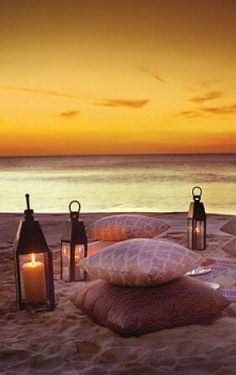 Sunset, Candles and Beach! Is not it the best ever romantic date you could imagine?
