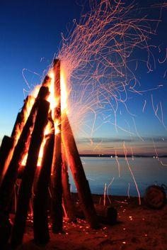 i <3 fires on the beach