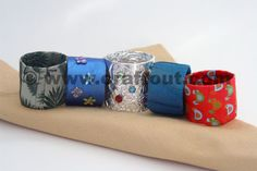 christmas toilet paper roll crafts | Napkin rings – easy and fabulous! | CRAFT OUT !!!--Painted and Stamped with black or white ink would look nice.