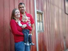 Fall Family Photoshoot - Red Barn Photo by Jackie Fischer, Lucknow ON
