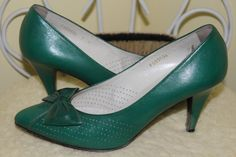 1980s 90s Size 7 Emerald Jewel Green Vinyl Leather Heels Pumps Shoes by ReminiscingVintage $54.00