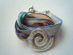Bracelet with silk and metal! Etsy, Bracelets, Leather, Handmade, Jewelry, Fashion, Pastel, Silk, Armband