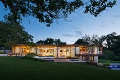 Peconic House And Barn by Mapos