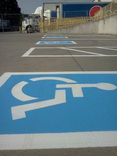 Making Knoxville a brighter place! . @AAA_Stripe_Pro I like what you're doing for #Knoxville #Parking xrl.co/ibvh9s