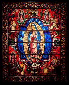 Virgen de Guadalupe stained glass art - The colors! The level of detail! This one is truly a masterpiece. Stained Glass Church, Stained Glass Art, Stained Glass Windows, Religious Images, Religious Icons, Religious Art, Blessed Mother Mary, Blessed Virgin Mary, Madonna