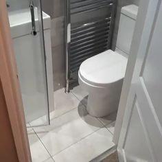 Tiny bathrooms 394557617354712880 - bathroom transformation Source by steflaure Small Bathroom Layout, Small Bathroom With Shower, Tiny Bathrooms, Dyi Bathroom, Downstairs Bathroom, Simple Bathroom, Modern Bathrooms, Master Bathrooms, Bathroom Cabinets